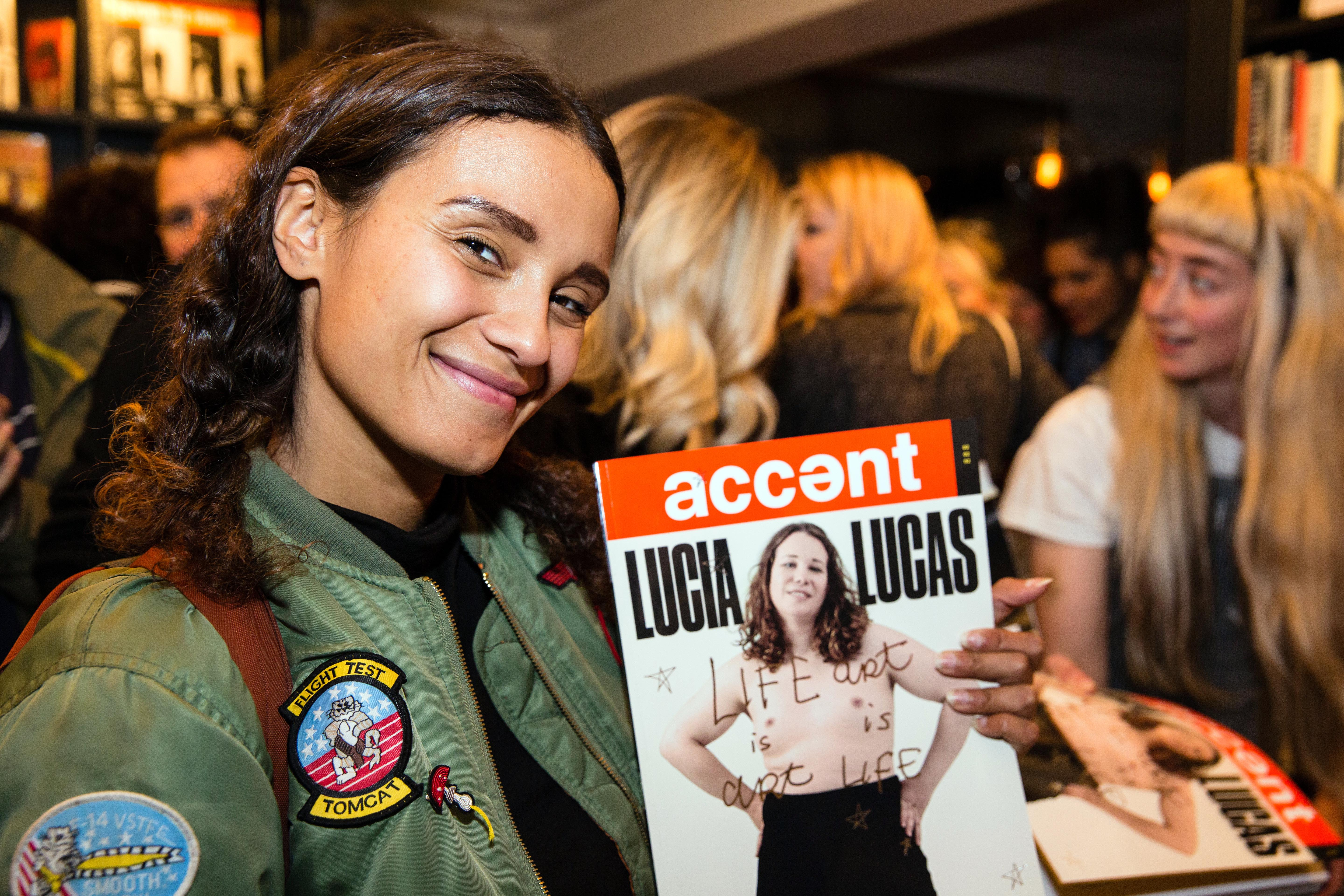 accent29-9-16iw76